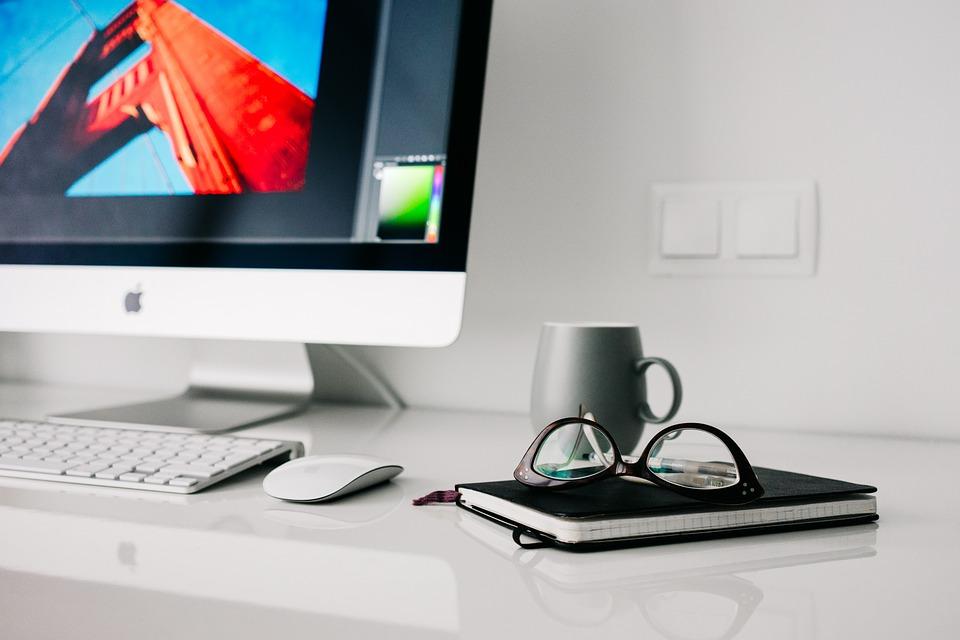 office-820390_960_720.jpg
